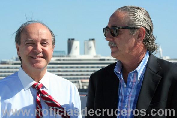 Carlos Buqueras y Eduardo Pezzati recorriendo los muelles del sector de los cruceros en Port Everglades