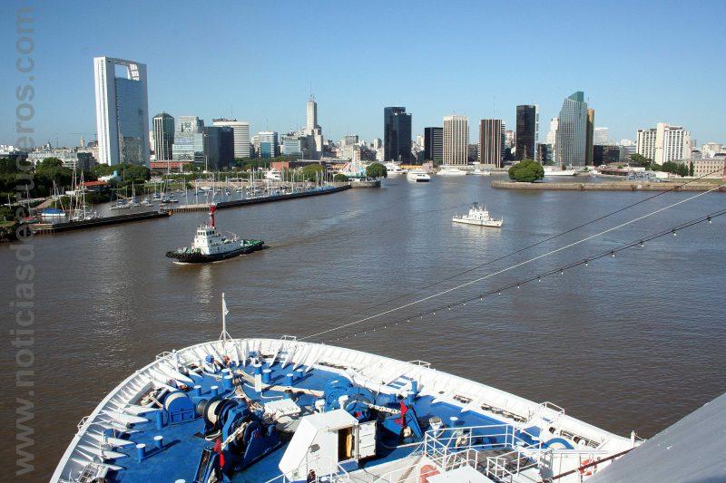 Entrada puerto de Buenos Aires