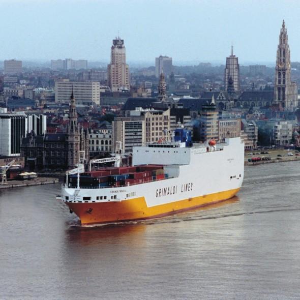 Crucereando en un carguero