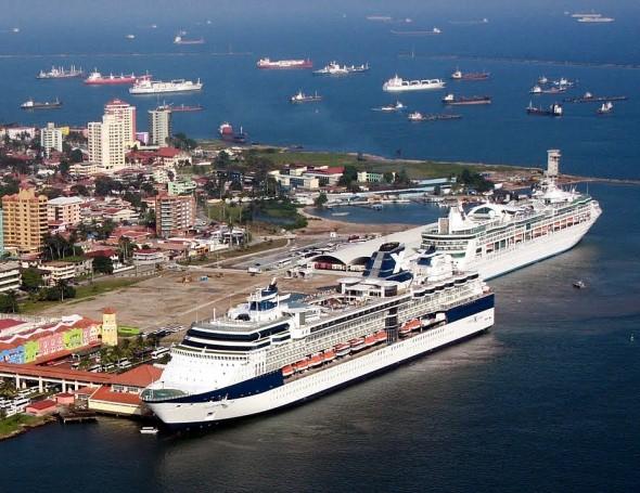 Cruceros en Colón 2000
