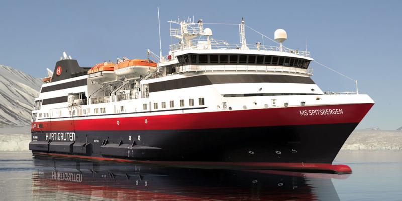 Hurtigruten nombra a su nueva nave