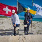 El Honorable Primer Ministro de las Bahamas, Perry Gladstone Christie (izquierda) y Pierfrancesco Vago, Presidente Ejecutivo de MSC Cruceros (derecha), en la inauguración oficial