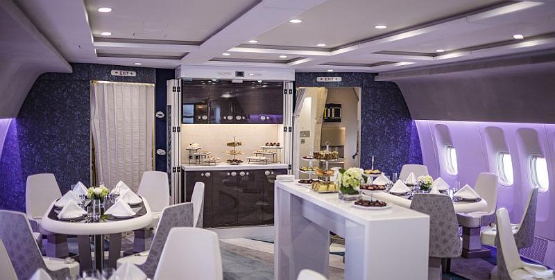 Lounge de popa del Crystal Skye
