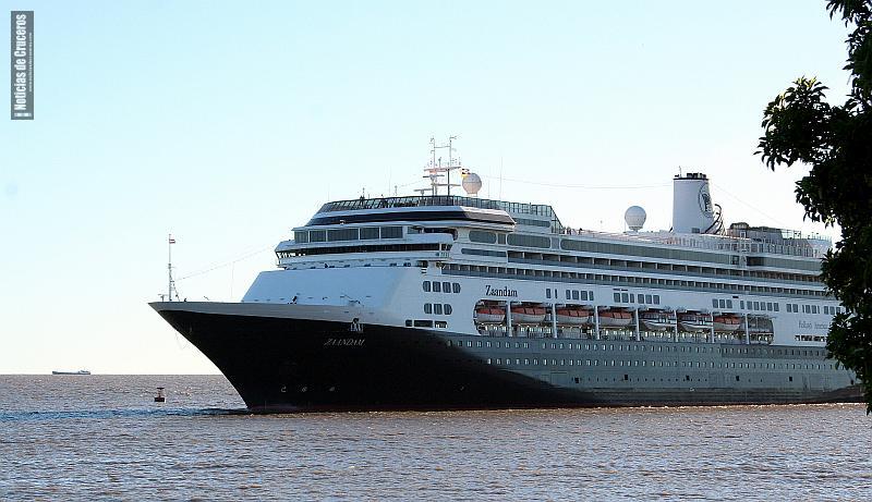 El Zaandam abriendo la temporada de cruceros en Buenos Aires