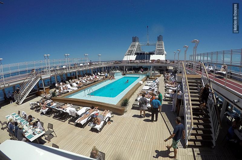 La piscina del Silver Muse, un claro exponente del segmento de lujo