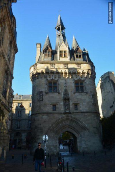 Una de las antiguas puertas de Bordeaux