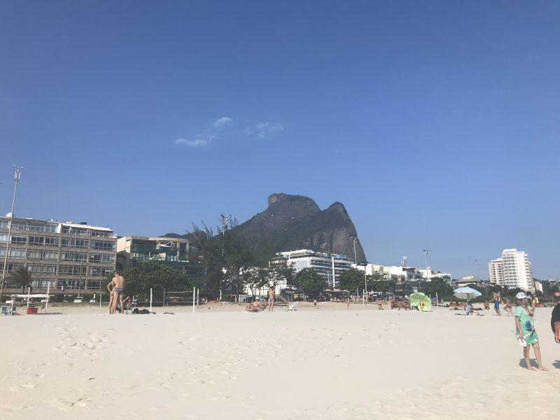 Playas amplias y limpias en el Posto 2 de Barra de Tijuca.