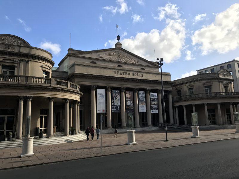El Teatro Solis, principal escenario artístico de Montevideo