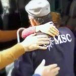 El emotivo reencuentro de la pareja brasileña, ayudados por los taxistas de Málaga