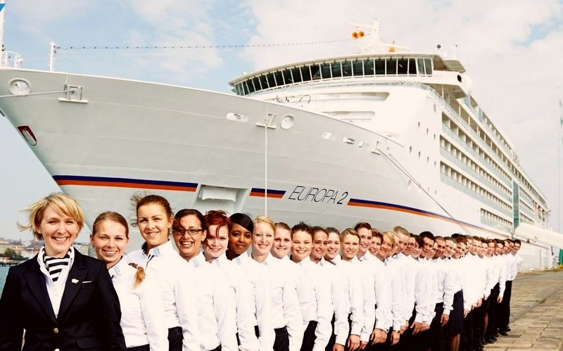 Cruise-Line-Staff