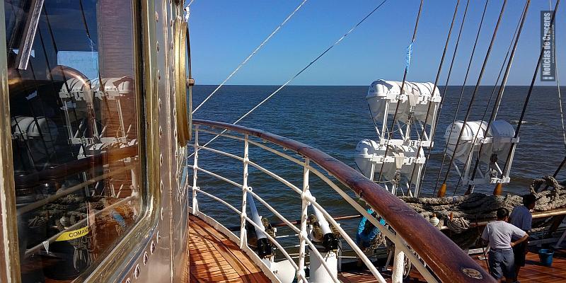 Navegando en la Fragata Libertad