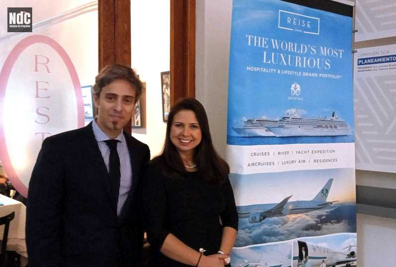 Gustavo Gea y Juliana Meyer Schmidt de Reise Destination y Crystal Cruises.