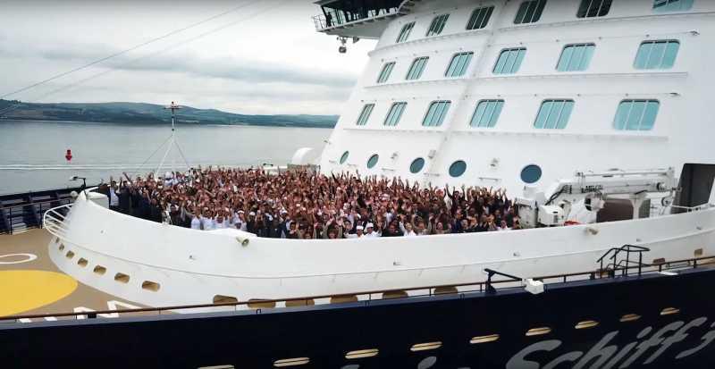 Tripulantes que a partir de ahora podrán disfrutar las áreas de pasajeros de las naves de TUI Cruises