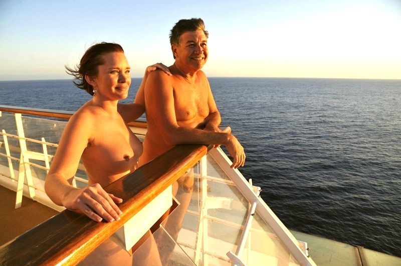 Cruceros Nudistas 2
