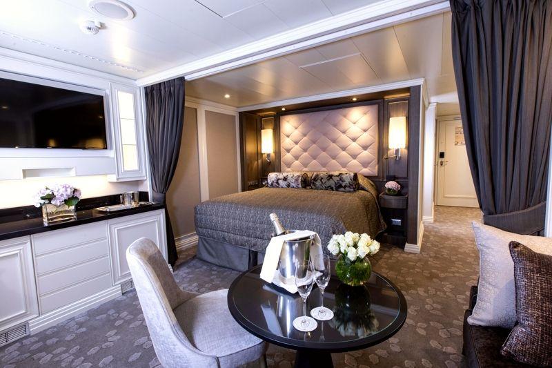 Colección de Cruceros - RSS Splendor - Concierge Suite
