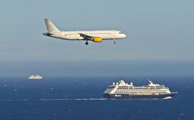 Cruceros y Aviones - 2