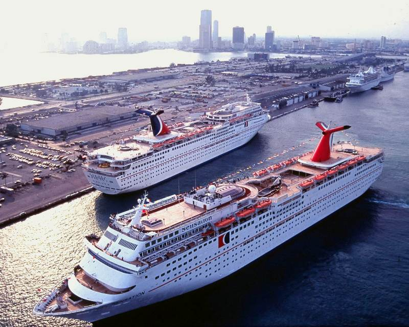 Hospitales - Carnival Cruise Line