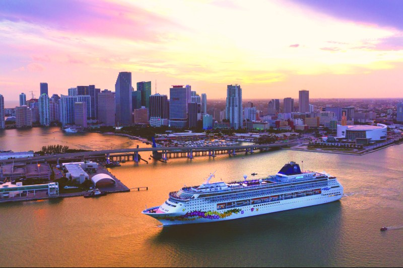 Viajes Extraordinarios - Norwegian Sky - Miami