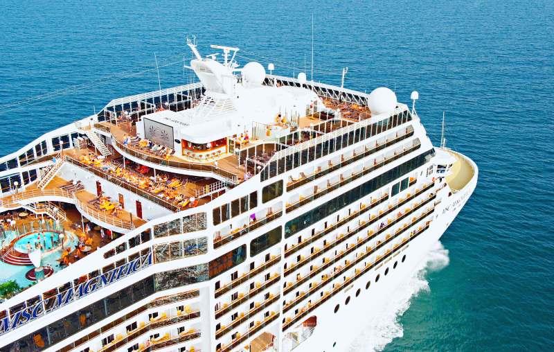 Tres Cruceros - MSC Magnifica