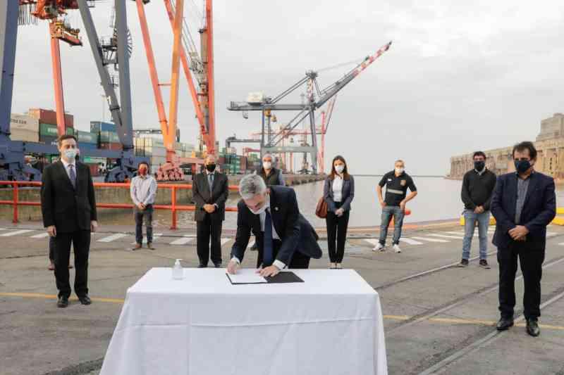 El Ministro Meoni refrenda la prolongación de las conseciones del Puerto Buenos Aires en el marco de la Terminal 5.